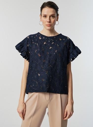 Monamoda Çiçek Güpürlü Kısa Kol Bluz Lacivert